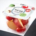 한국야쿠르트가 22일 컵 과일 제형의 신제품 하루과일을 출시한다
