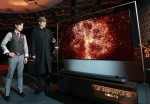 LG전자의 초프리미엄 TV인 LG SIGNATURE 올레드 TV W가 영국 엘리자베스 2세 여왕 생일 행사에서 빛을 발했다