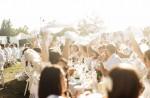 27일 디네 앙 블랑 서울 행사의 참가 등록이 성황리에 진행 중이다. 사진은 디네 앙 블랑 냅킨 웨이브