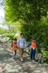 5월 와숲 활동이 31일 14시부터 17시까지 서대문구 안산숲에서 진행될 예정이다. 사진은 와숲 활동 참가자들의 모습