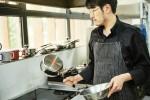 리비어 코렐이 주방에서 모든 사람이 리비어 코렐과 맛있는 요리를 할 수 있도록 자신감을 심어주는 쿠킹 컨피던스 캠페인을 시작한다