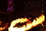 제17회 목포세계마당페스티벌이 8월 3일 개막놀이를 시작으로 한여름밤 목포 원도심 일대에서 열린다. 사진은 개막놀이 플레이밍 파이어팀의 불꽃 퍼포먼스