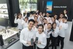 삼성전자가 싱가포르에 갤럭시 스튜디오를 오픈하며 갤럭시 노트8 판매에 본격 시동 걸었다