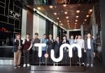 SK텔레콤이 29일 오전 을지로 본사 1층 중앙 로비에서 최첨단 ICT 체험관 티움의 공식 개관 기념식을 열었다