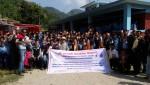 알라딘 인터넷 서점이 25일 네팔 다딩 지역에 지진으로 무너졌던 수라스워티 학교의 준공식을 가졌다. 현수막 왼쪽부터 더프라미스 감사 돈성스님, 알라딘 조유식 대표, 로컬 NGO EPF Rakesh Dhamala 대표, 두와콧 마을 회장 가네쉬 타쿠리