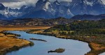 론리플래닛이 2018년 잊지 못할 여행 경험을 선사할 최고의 나라와 최고의 도시, 지역 Top 10을 발표했다. 사진은 칠레 파타고니아에서 가장 인기 있는 토레스 델 파이네 국립공원. 우뚝 솟아오른 파이네 마시프에서 파이네강이 시작해 구불구불 흘러간다