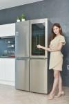 LG전자가 노크온 매직스페이스를 탑재한 디오스 냉장고 신제품을 선보이며 프리미엄 냉장고 시장 공략을 가속화한다