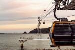 釜山エアクルーズという名前でリニューアルされた松島海上ケーブルカーが松島海水浴場の東側にある松林公園から海を横切り、西側にある岩南公園までの1.62㎞を運行する。