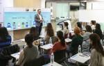 시스코 코리아는 27일 서울 삼성동 시스코 코리아 사무실에서 IT 전문가를 꿈꾸는 20대 여성을 대상으로 여성 인재 양성 프로그램인 걸스 인 IT 데이 행사를 성황리에 개최했다. 시스코 코리아 조범구 대표가 환영사를 하고 있다