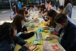 주민들이 삼전복지관 어울림축제 부스에 참여하고 있다