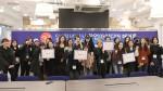 아이디어 해커톤에 참여한 숙명여대 창업동아리 학생들이 기념 촬영을 하고 있다