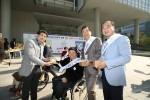 장애인먼저실천운동본부가 2017 장애인먼저실천상 시상식을 12월 6일 개최한다. 사진은 KT 휠체어 First 거리캠페인