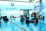 서울장애인종합복지관 수중재활센터에서 AT&RI 심화 과정을 교육하고 있다