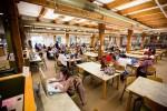 도서관에서 공부하는 존슨앤웨일즈 학생들