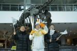 2018 평창 동계올림픽을 빛낼 성화가 8일 유네스코 세계유산 도시이자 대한민국 테마여행 10선에 선정된 충남 공주를 방문, 봉송을 진행했다