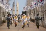 2018 평창 동계올림픽을 밝힐 성화가 21일 철원에서 도착해 강원지역에서의 첫 봉송을 시작했다