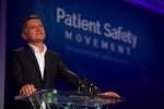 조 키아니 환자안전활동재단 창립자 겸 회장이 공개 데이터와 의료기기의 상호작용성에 대해 토론하고 있다