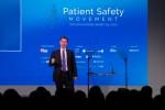 제레미 헌트 영국 보건사회부 장관이 서밋회의 첫 날 기조연설을 통해 국민건강서비스의 환자 안전을 개선하기 위한 획기적인 새로운 조치를 발표했다