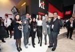 MWC 2018 글로모 어워드에서 헬스 부문 최고 모바일 혁신상을 수상한 KT 미래사업개발단 고윤전 상무(왼쪽 세번째)와 관계자들이 기념 촬영을 하고 있다
