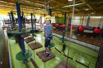 국립평창청소년수련원 실내 챌린지장에서 수련 활동에 참가한 초등학생들이 챌린지 도전활동을 하고 있다