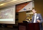 요아킴 닐슨 볼보트럭 인터내셔날 영업전략 본부장이 볼보트럭의 차세대 전기동력 기술에 대해 발표하고 있다