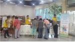 인력개발원 나눔봉사동아리 위드 코하이와 구메구메가 노인학대예방을 위하여 캠페인을 펼치는 있는 현장