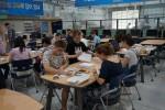 지난해 코리아텍 썸머스쿨에 참여한 외국학생들이 다담창의센터에서 공학실습을 하고 있다