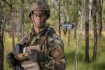 호주 국방부에서 플리어 블랙 호넷3 나노-무인항공기를 사용 중이다