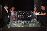 보토스(Bottos)의 메인넷 정식상장을 선포하는 세레머니를 하고 있다