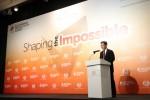 APO 사무총장 산티 카노크타나폰 박사가 지속 가능 생산성 서밋 2018에서 환영사를 발표하고 있다