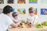 반얀트리 호텔 앤 리조트 그룹이 출시한 키즈 클럽 프로그램에서 어린이들이 체험을 하고 있다