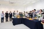 27일 갤러리 쿰 개관기념 기획 초대전 동행-바라보며 마주하며 행사가 열렸다