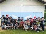 벽화그리기 봉사활동을 실시한 봉사단원들