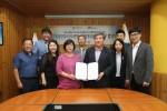 국립평창청소년수련원 이현주 원장(가운데 왼쪽)과 국립횡성숲체원 장관웅 원장(가운데 오른쪽)이 상호 업무협약을 체결하였다