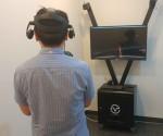 KTis 동대문지사 콜센터 상담사가 VVR의 VR힐링콘텐츠를 체험하고 있다