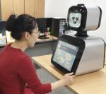 수원과학기술대학교와 협력 개발한 퓨처로봇의 치매 케어 로봇 강아지