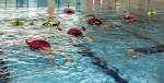국립중앙청소년수련원 생존수영 교육 방법 개발 보급 프로그램에 참여한 지도자들이 물속에서 생존수영법을 배우고 있다