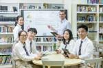 삼성전자가 싱가포르 한국국제학교에 디지털 플립차트 삼성 플립을 공급하며 스마트 스쿨 사업에 앞장섰다