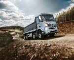 메르세데스-벤츠 트럭이 새롭게 선보이는 아록스 덤프 실버 불