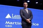 CEO 마틴 앤스티스가 2018 반도체대전에서 기조연설을 하고 있다