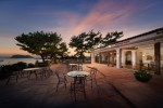 서귀포칼호텔이 카페 허니문하우스를 새롭게 오픈했다