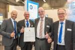 왼쪽부터 토바이어스 스텐더 박사(TÜV SÜD Rail 지정기관(DeBo) 총괄), 알프레드 비어(TÜV SÜD Rail 철도 비즈니스 총괄 매니저), 안드레아스 토머스 박사(독일 연방 철도청 부사장), 클라우스 마이클 보쉬(TÜV SÜD Rail GmbH 대표)