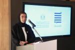 아부다비 웨어하우스421에서 누라 알카비 문화지식개발부 장관이 프레스 컨퍼런스에서 발언하고 있다