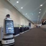 제6차 OECD 세계포럼에 참석해 현장 경비를 수행중인 철도경찰로봇 네오