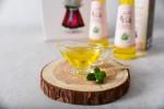 韓國孔食品的生紫蘇油. 營農組合法人韓國孔食品推出的紫蘇油和紫蘇粉、紫蘇焦糖、紫蘇餅乾等產品在2018年南非、肯尼亞、洛杉磯、拉斯維加斯、香港、新加坡、中國、日本等地舉行的展會中紛紛獲得消費者好評。