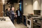 삼성전자가 미국 뉴욕 맨하탄에 럭셔리 주방가전 브랜드 데이코 빌트인 쇼룸 데이코 키친 시어터를 열었다