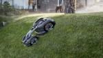 허스크바나 오토모워435X 총륜구동은 70% 경사에서도 작동 가능하다