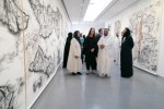 제14회 샤르자 비엔날레에 80여명의 아티스트들이 참여했으며 60건의 새로운 주문이 이루어졌다