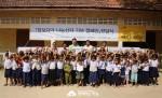 함께하는 한숲은 캄보디아 현지 방문을 하여 나눔상자 전달식 및 교육환경개선으로 칠판 교체와 학용품 전달을 진행하였다