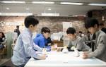 SK텔레콤 일산 지점에서 초등학교 학생 20여명이 참가한 가운데 신나는 코딩 교실 첫 수업이 열렸다